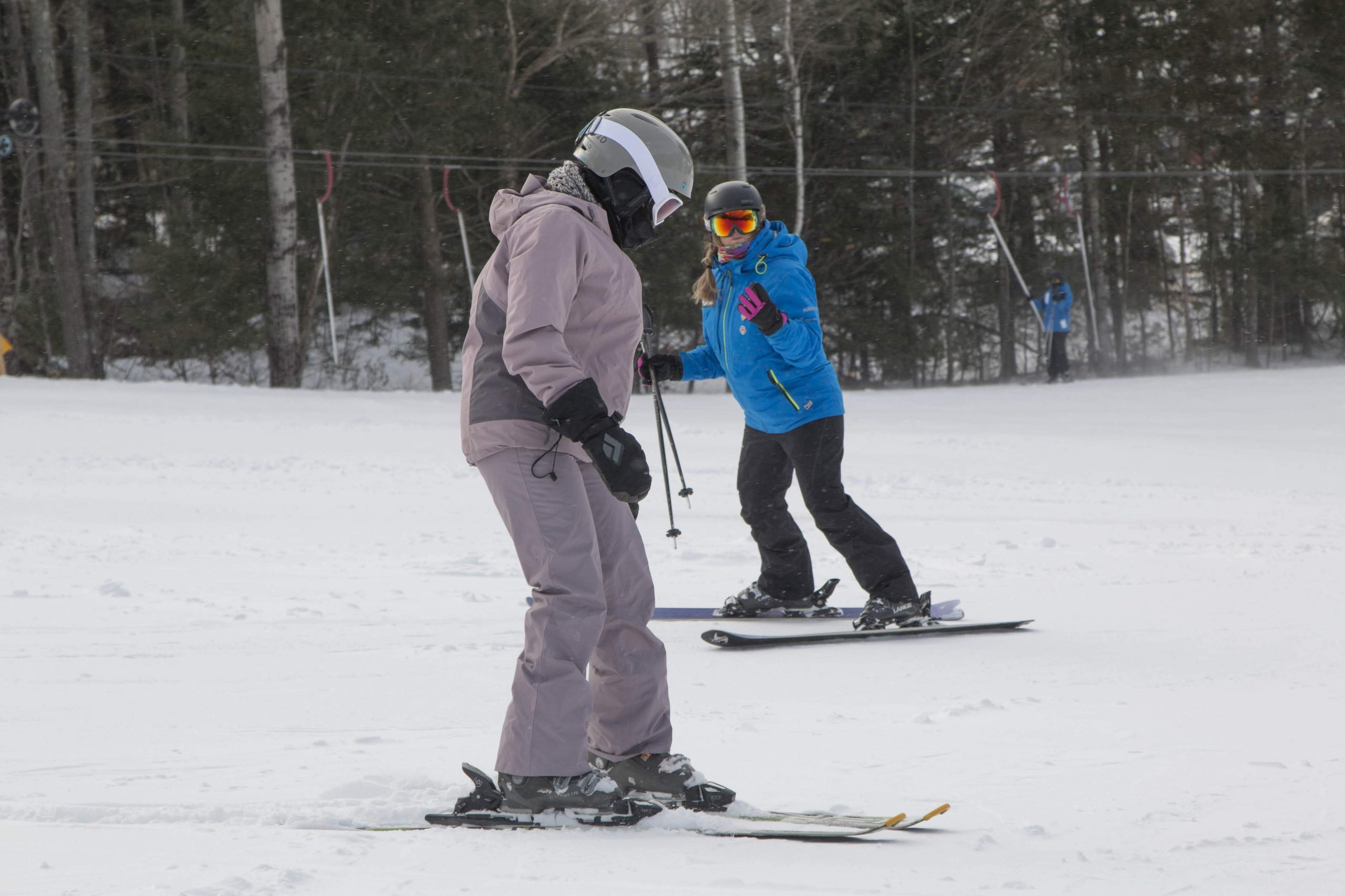 learning to turn in a ski lesson