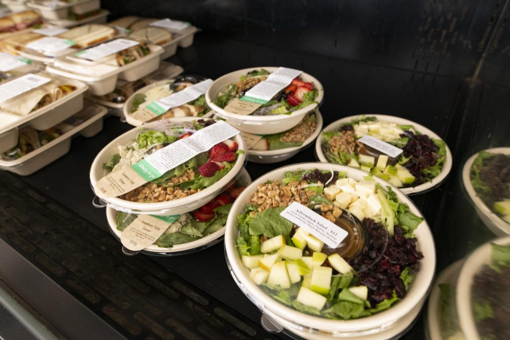 Salads and Wraps To go